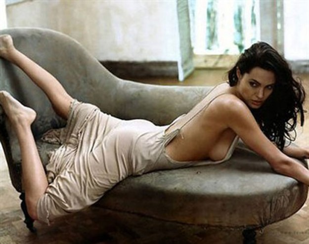299918_fullsizeimage_angelina-jolie-cream-dress-laying-on-sofa.jpgx
