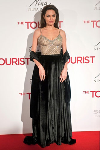 299920_fullsizeimage_angelina-jolie-black-dress-with-sequin-top.jpgx