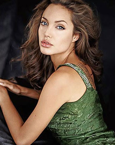 299927_fullsizeimage_angelina-jolie-green-top-side.jpgx