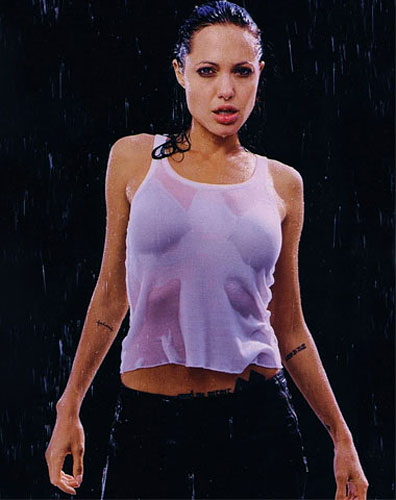 299934_fullsizeimage_angelina-jolie-white-vest-wet.jpgx