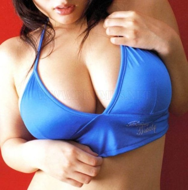 big-breasts-32