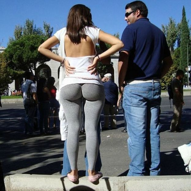 big-butts-in-public-places-11