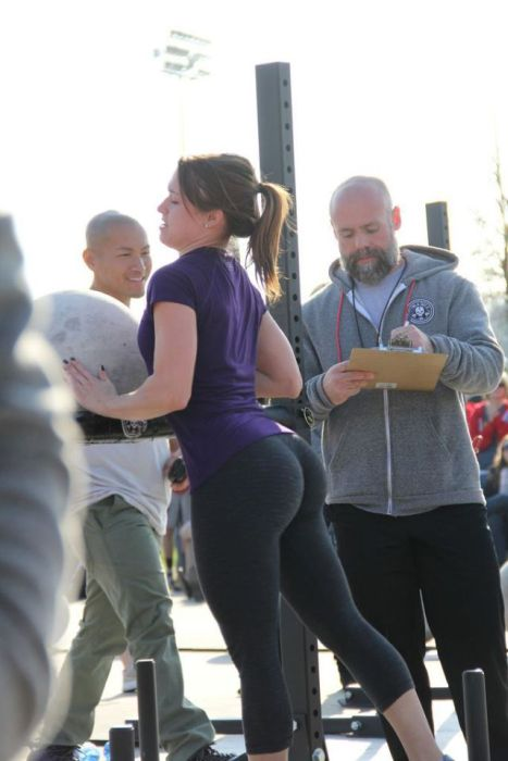 big-butts-in-public-places-18