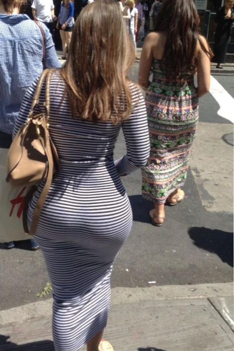 big-butts-in-public-places-3