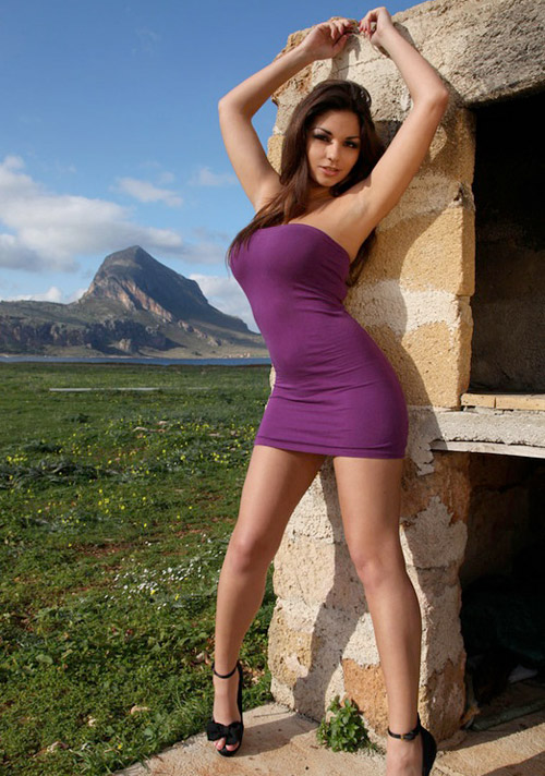 hot-girls-in-tight-dresses-5-22