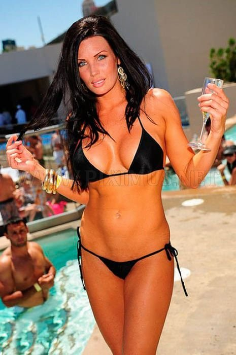 las-vegas-pool-parties-52
