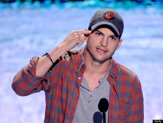 Ashton Kutcher Reveals His 'Real' Name At Teen Choice Awards !!!!  (VIDEO)