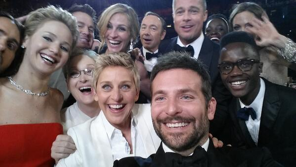 Ellen Degeneres' Selfie Makes Twitter Internet History